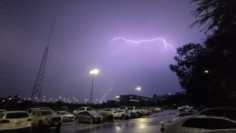 lightning_escondido_2.jpg