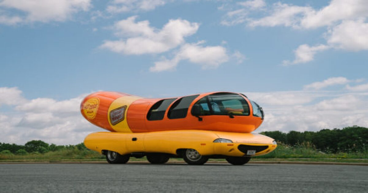 Oscar Mayer looking for Wienermobile spokesperson to traverse the hot dog highways of America