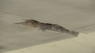 wptv-roosevelt-bridge-crack-2.jpg