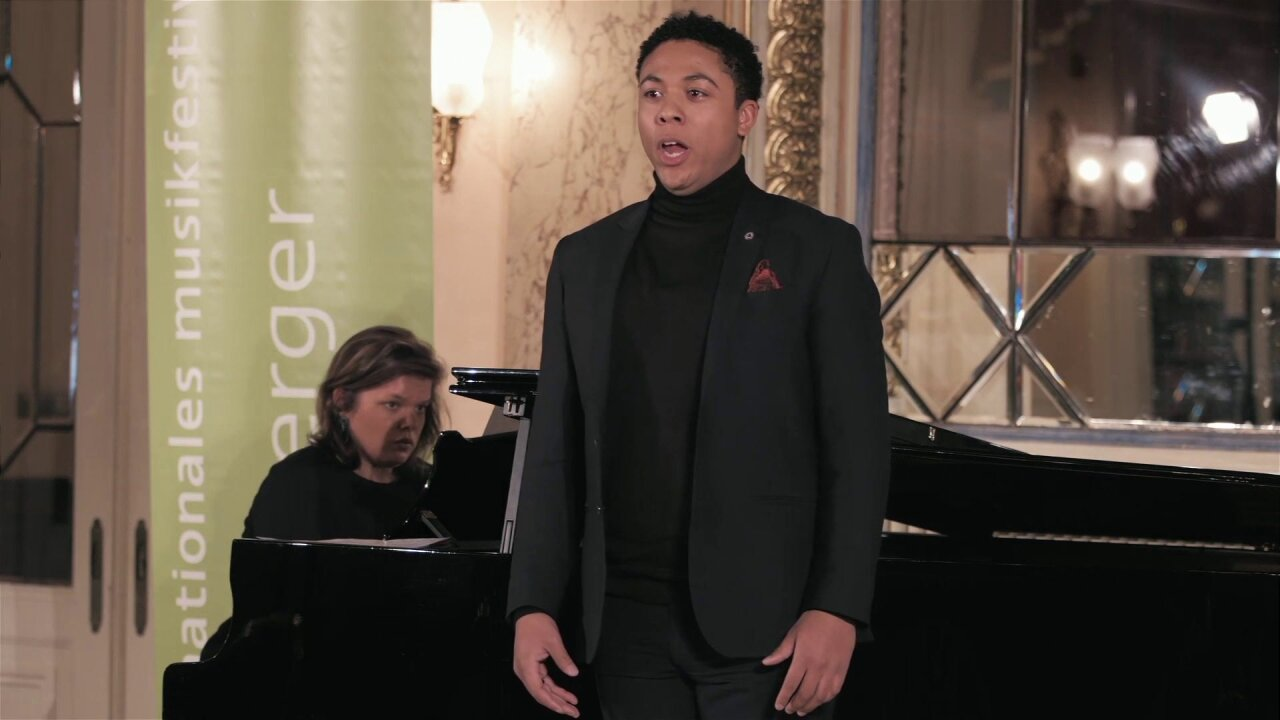 Opera Singer.jpeg