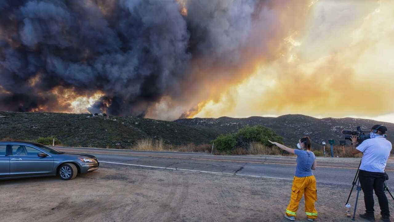 Valley Fire explodes in size