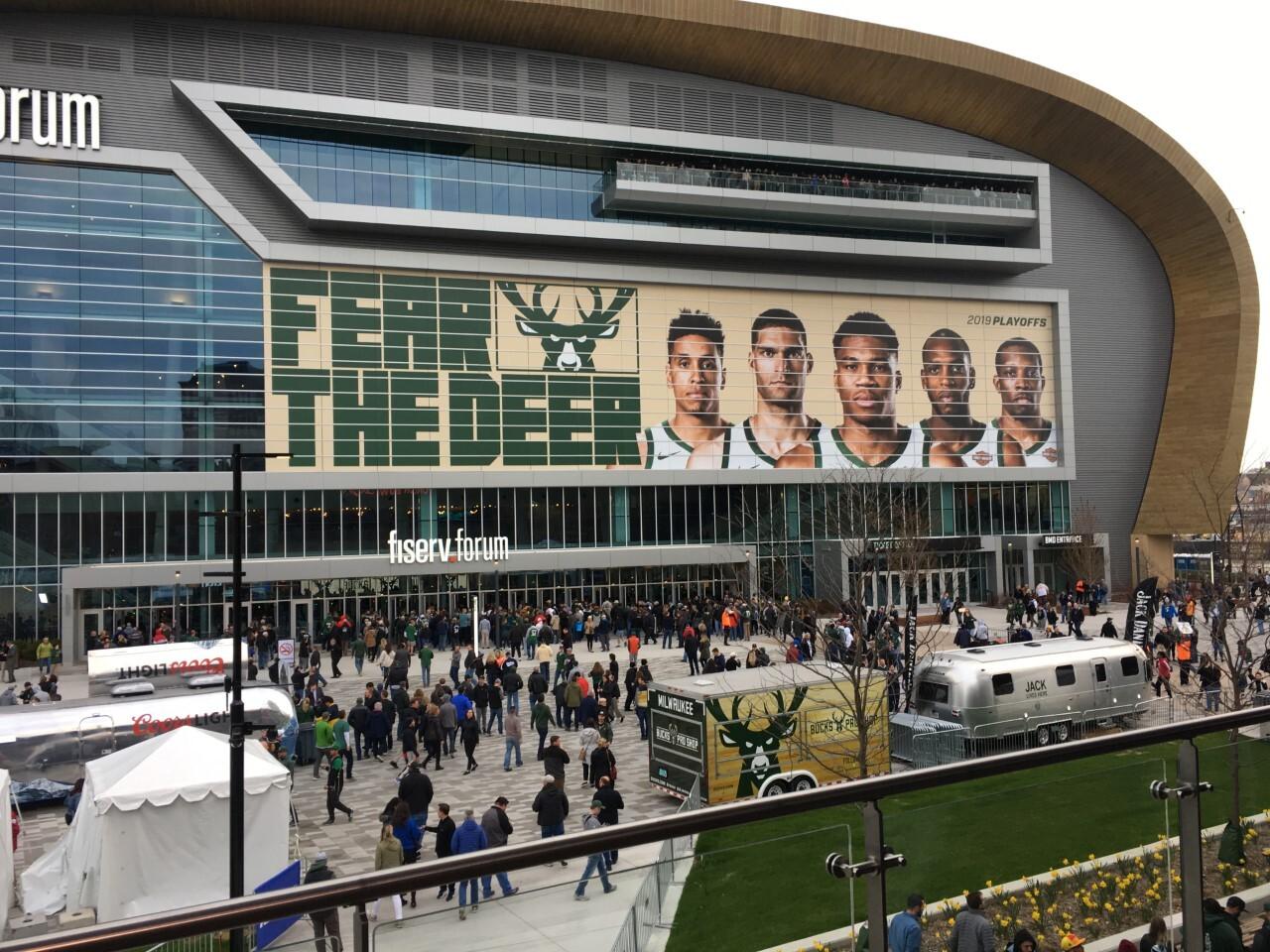 Bucks Fever intensifies ahead of Game 5