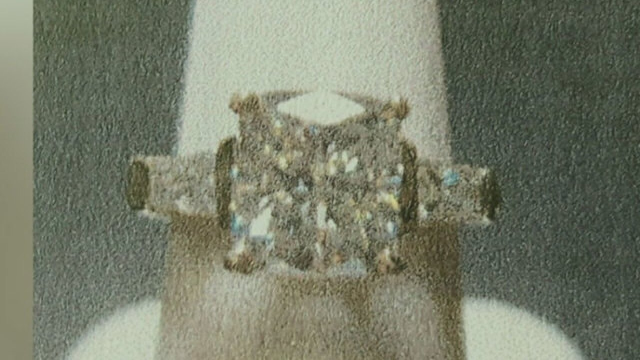 Have you seen this missing ring in Jupiter?