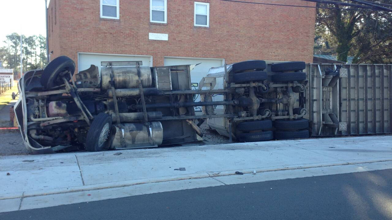 Rt. 10 in Chuckatuck reopens after tractor-trailer rollover