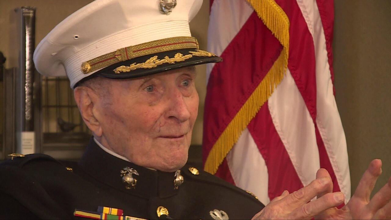 104-year-old Marine Corps veteran collecting Valentine's Day cards