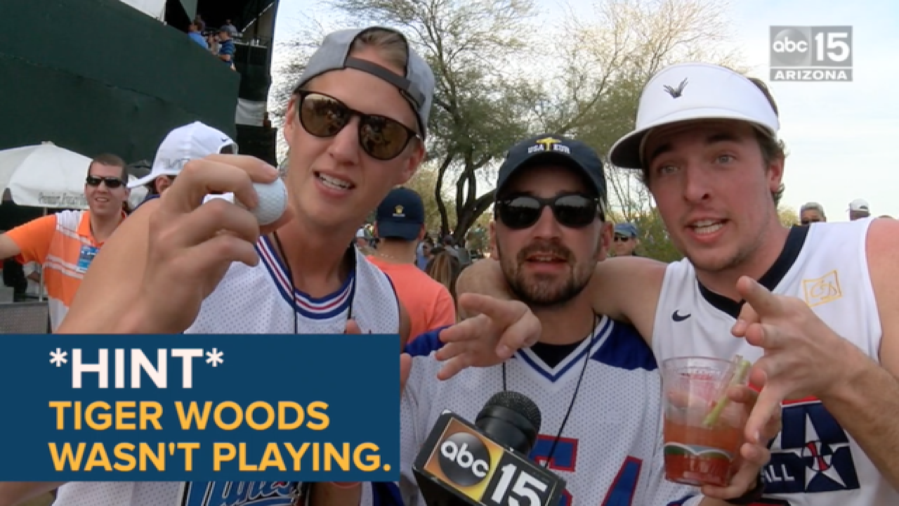 Fans think they see Tiger Woods at Phoenix Open!