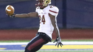 College football player dies after injuring neck during game