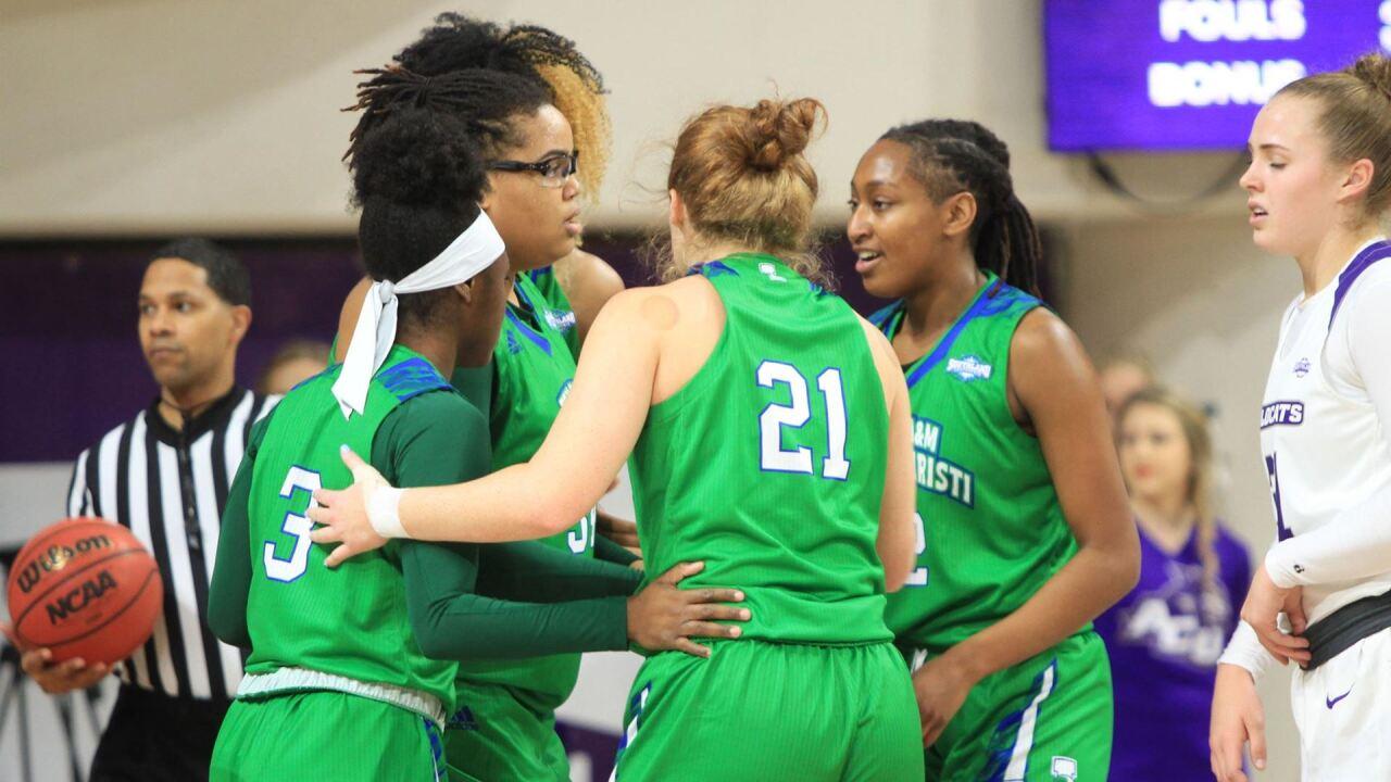 Islanders women's basketball