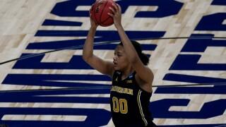 Naz Hillmon NCAA Michigan Tennessee