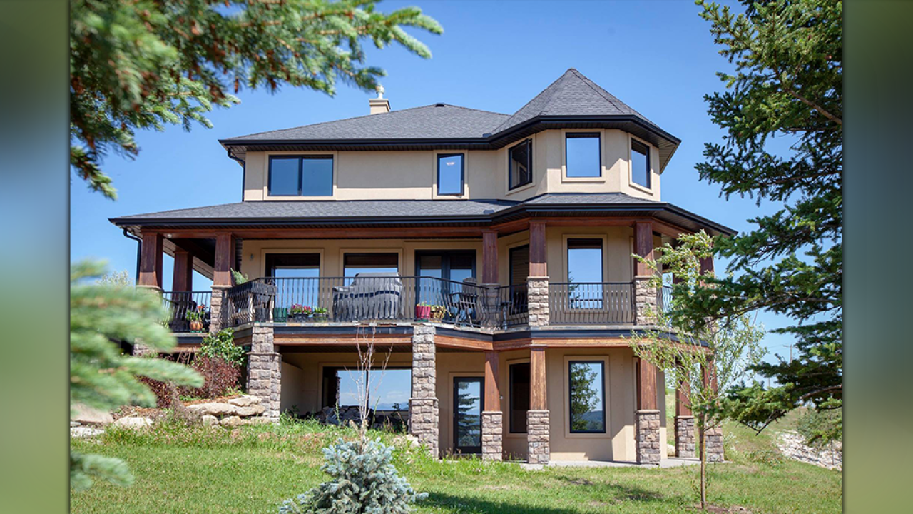 You could win a $1.7M home in Canada by entering a $19 letter-writing contest