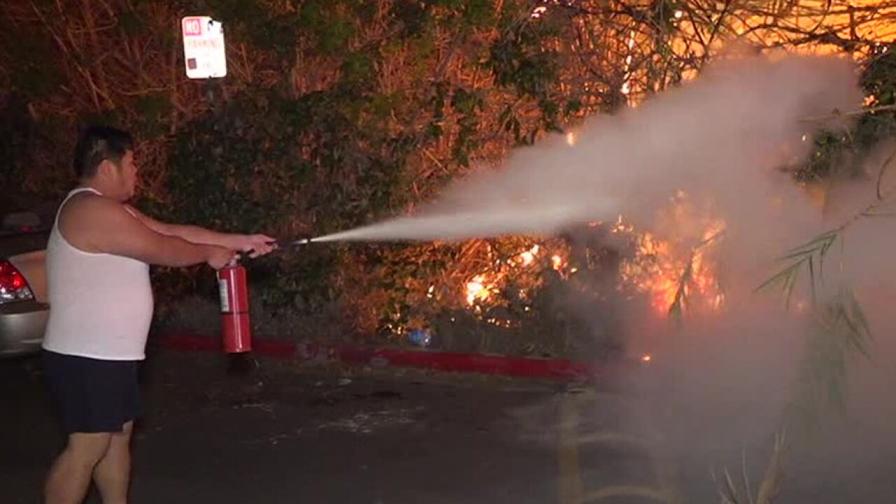 Colina Del Sol fire resident extinguisher nov. 28, 2018