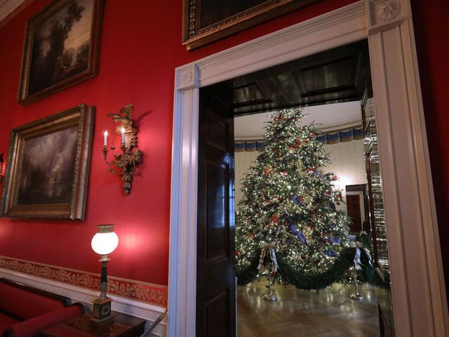 White House unveils 2018 Christmas decorations