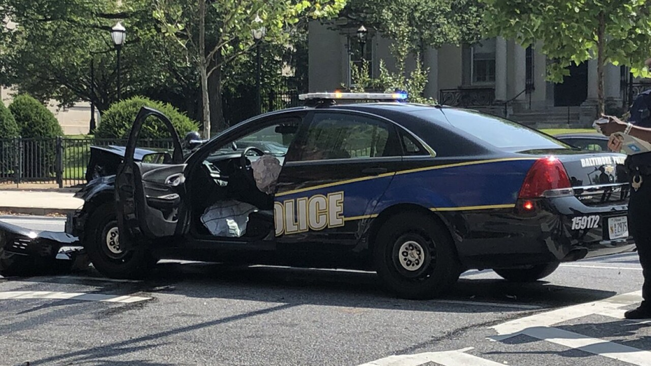 Cop_Crash_02.jpg