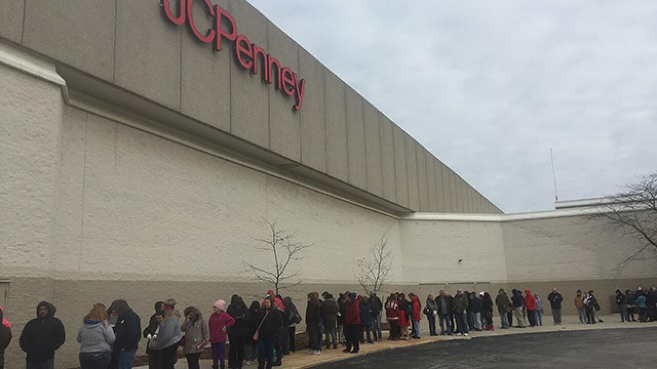 Folks in NE Ohio get jumpstart on shopping