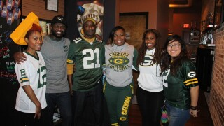GALLERY: Packers fans pack bars for NFC Championship Game