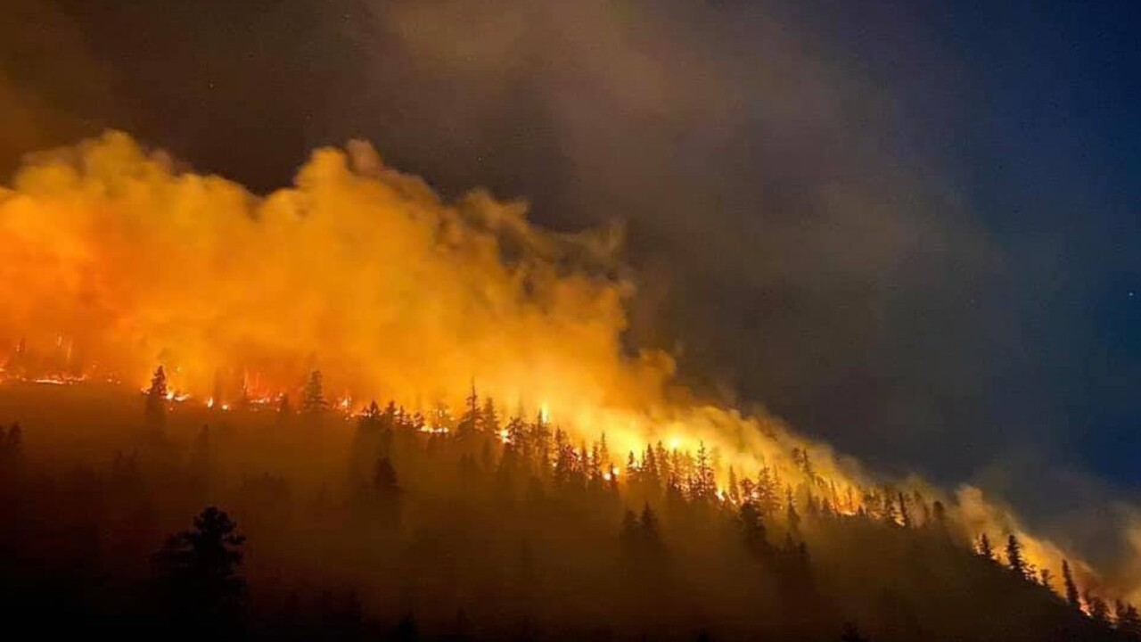 Containment grows on Magpie Rock Fire