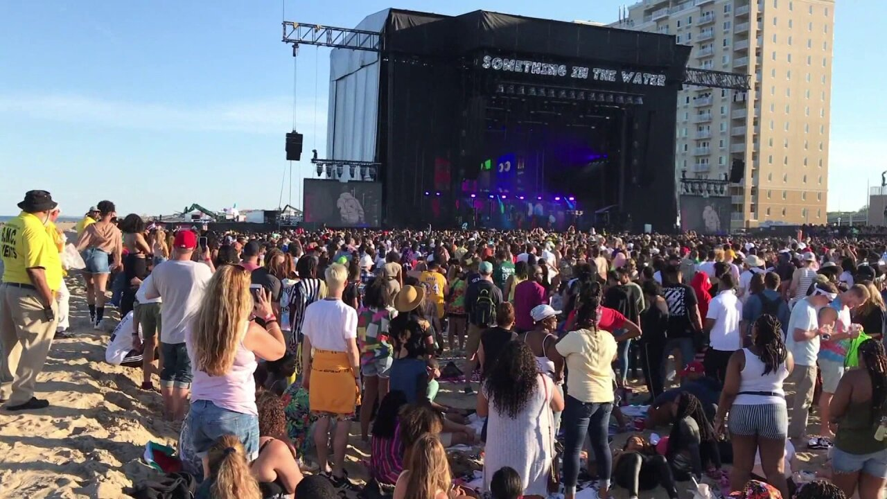 Virginia Beach residents praise 'well planned' Something in the Waterfestival