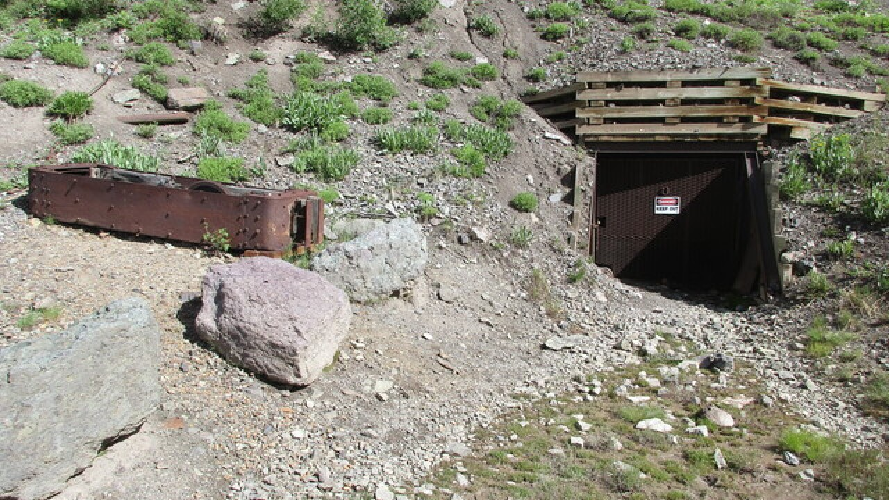 Colorado ghost towns: Tomboy Mining Camp