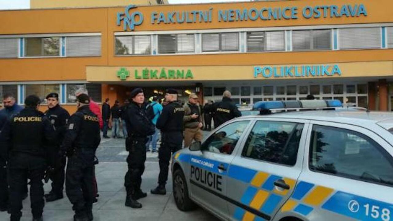 Gunman kills 6 people in Czech Republic hospital before shooting himself