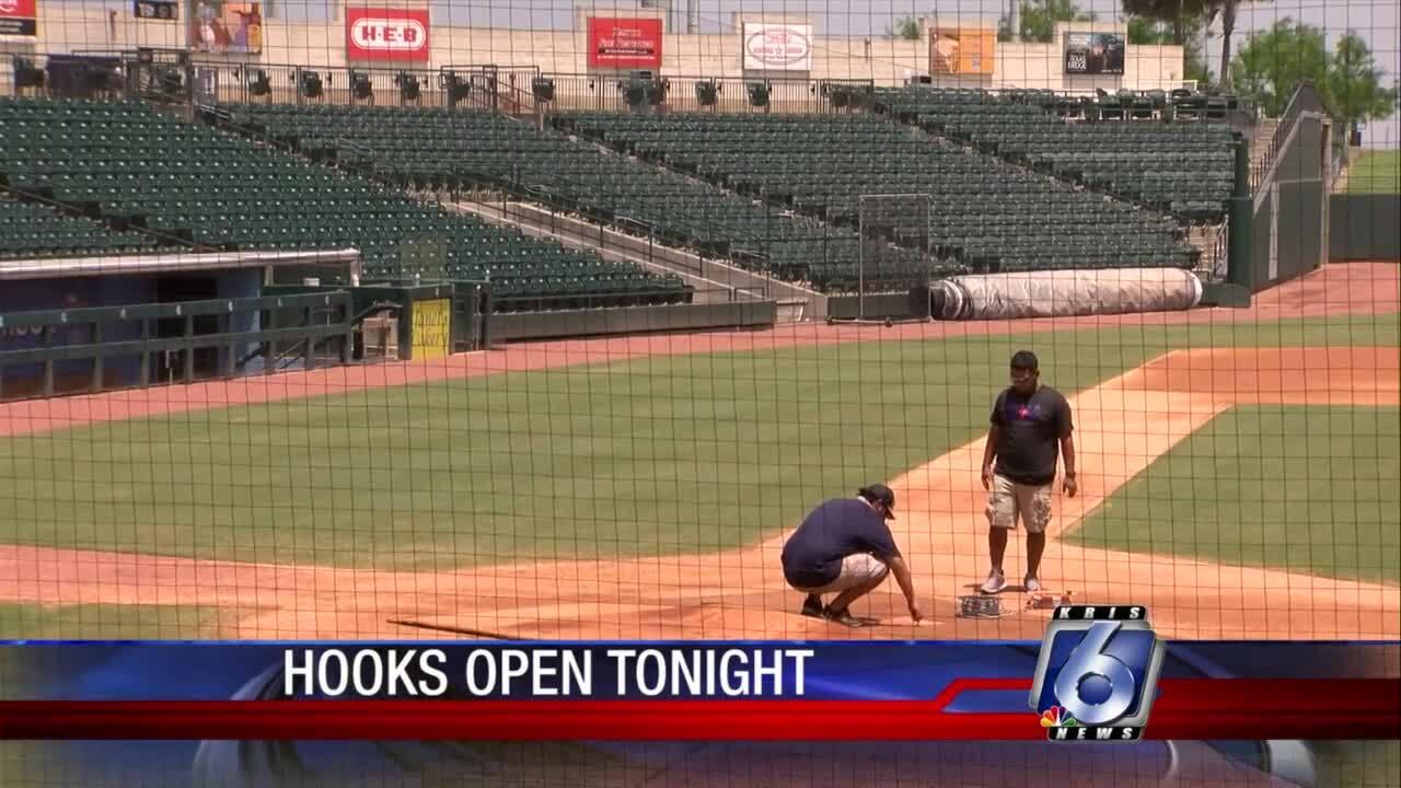 Hooks baseball finally is back