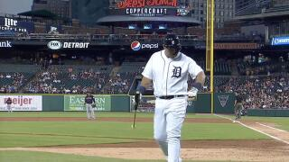 Tigers star Miguel Cabrera leaves game early with biceps tightness