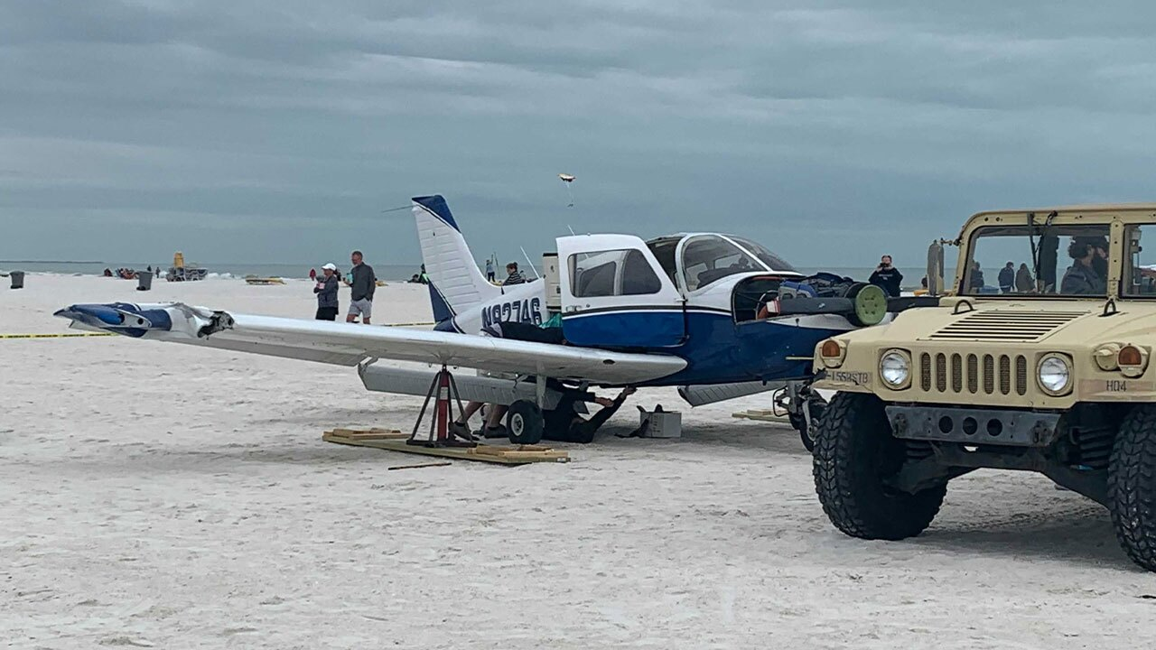 small-plane-landing1.jpg