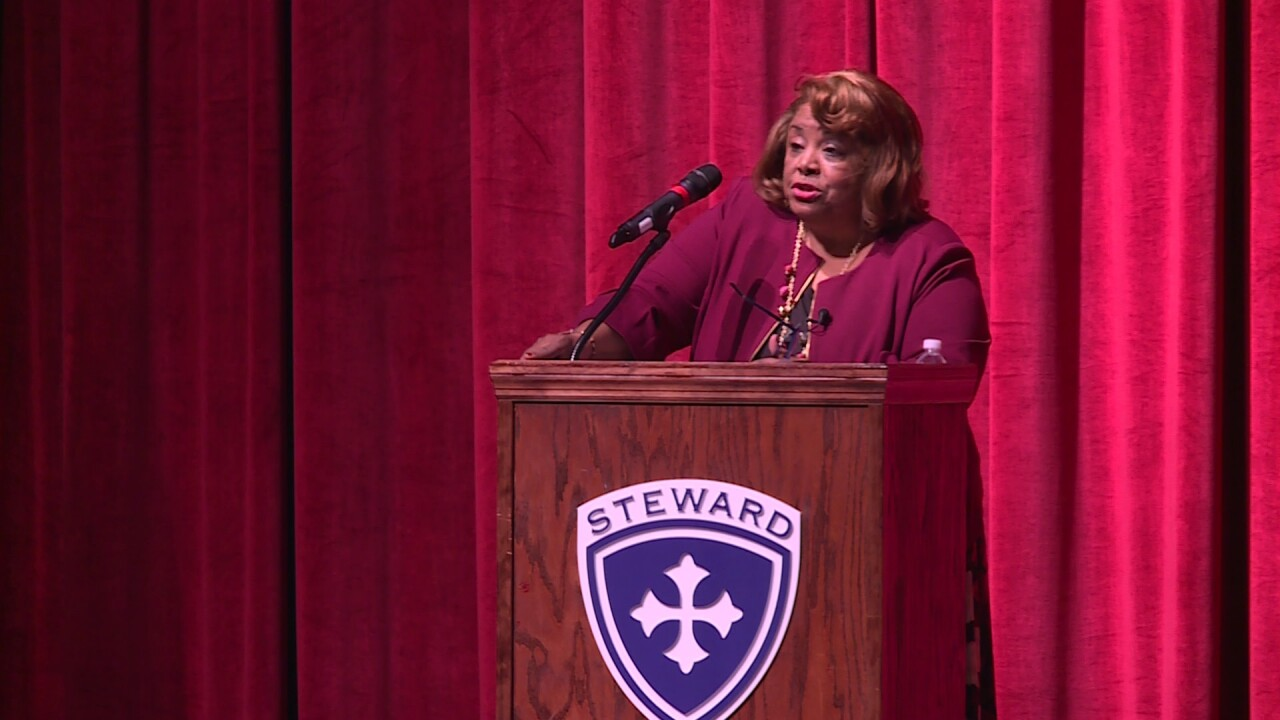 Civil rights leader Elizabeth Rice encourages students to take risks