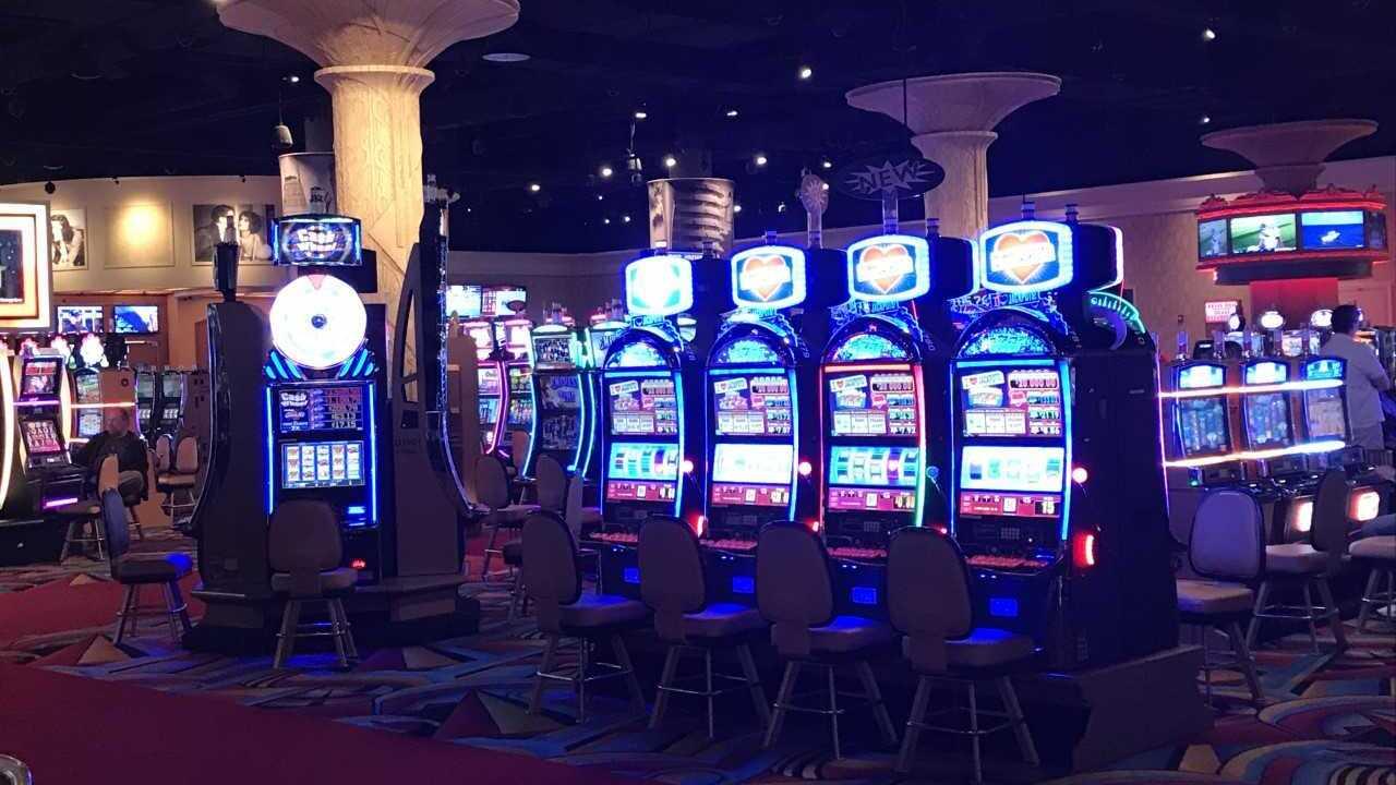 hollywood casino 3.jpeg