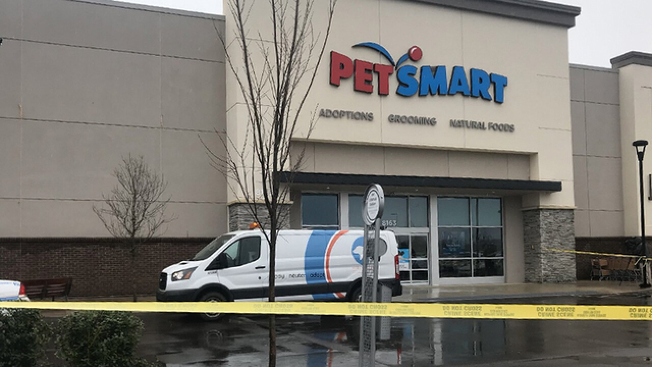 Police raid, confiscate animals from Tennessee PetSmart