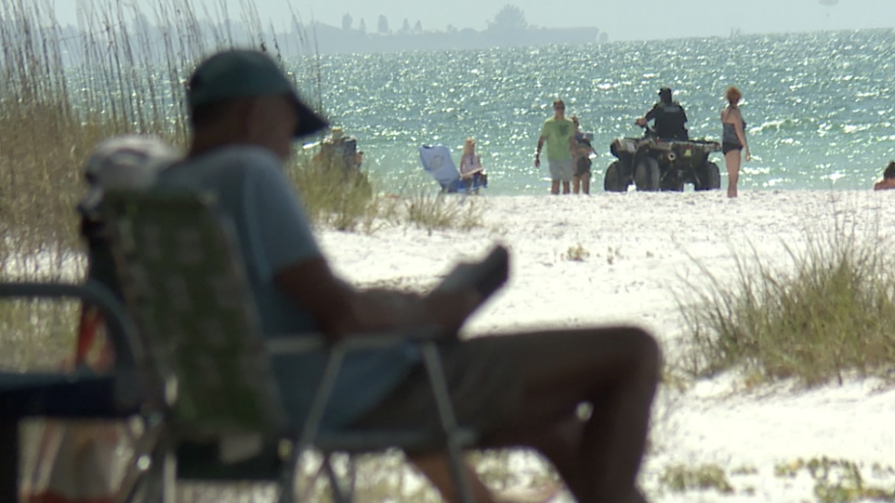 BEACHES-CLOSED-FLORIDA-CORONAVIRUS-SHUT DOWN-ANNA MARIA-000.png