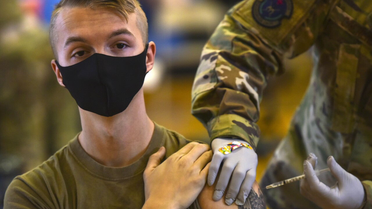 Virus Outbreak Military Vaccinations