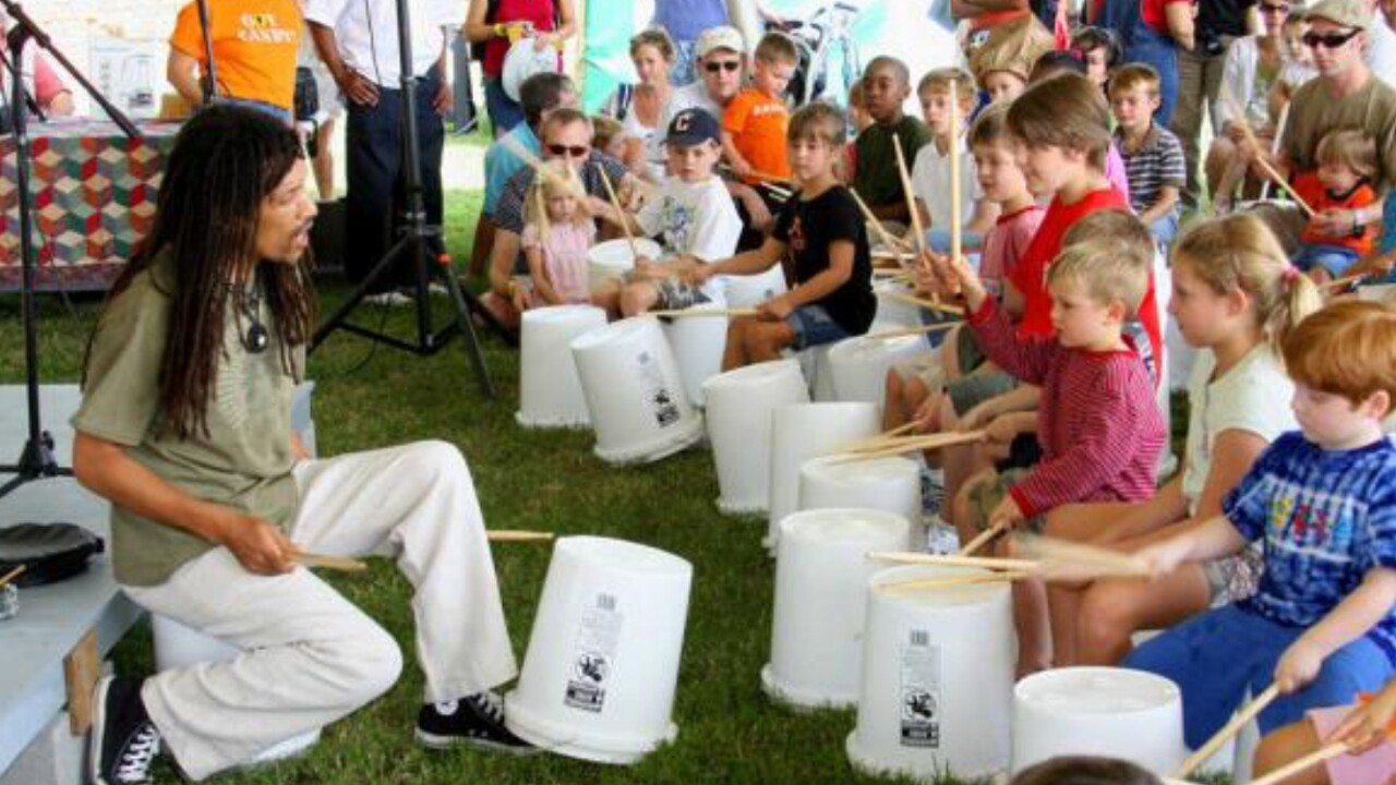 🥁Richmond educator shows students transformative and healing power ofmusic