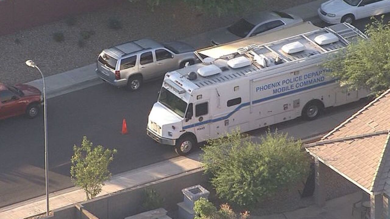 1 dead, 1 hurt in shooting near 51st Av/Baseline