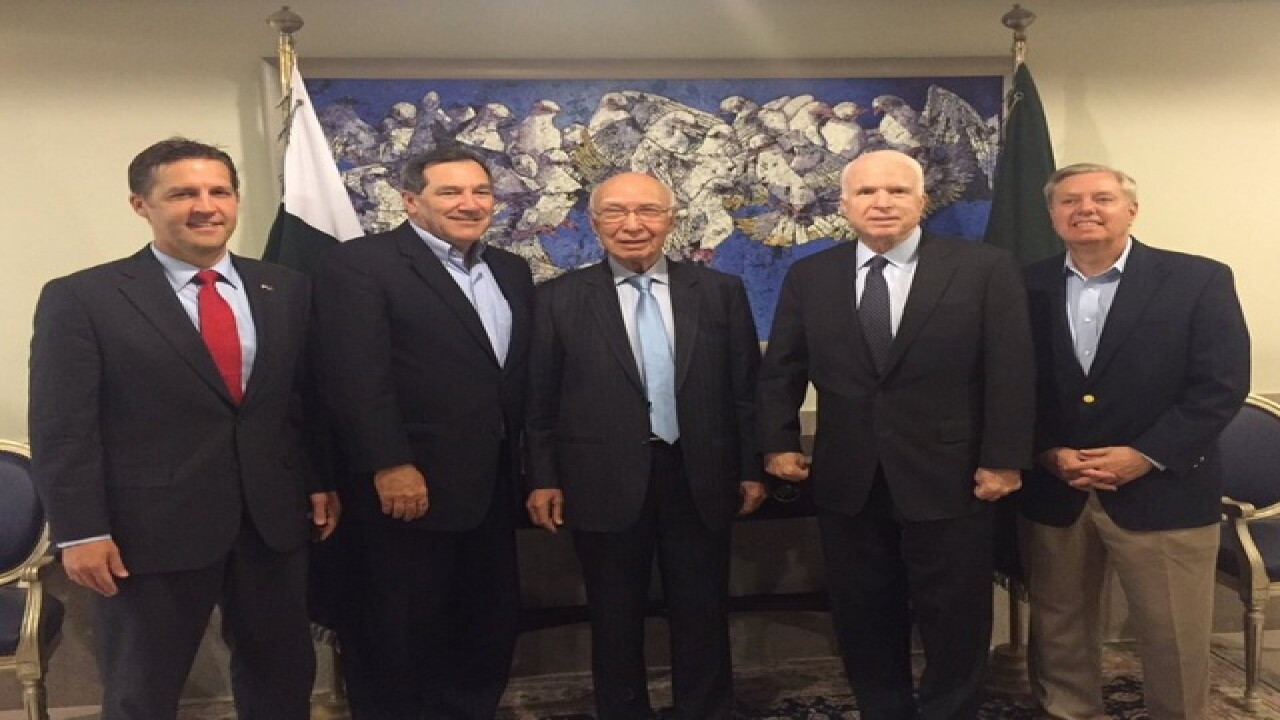 McCain leads delegation to northern Pakistan