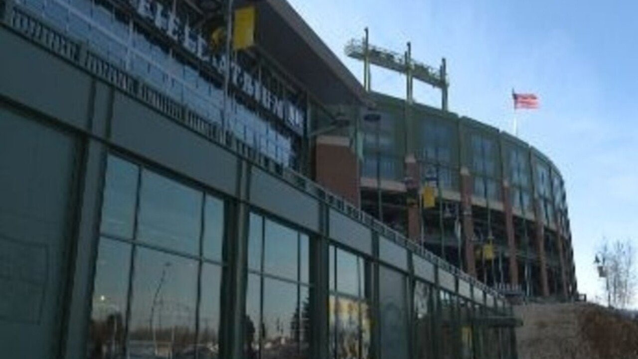 Packers hold job fair to hire game day workers