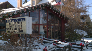 Lakewood Christmas shop owner sending holiday cheer to White House