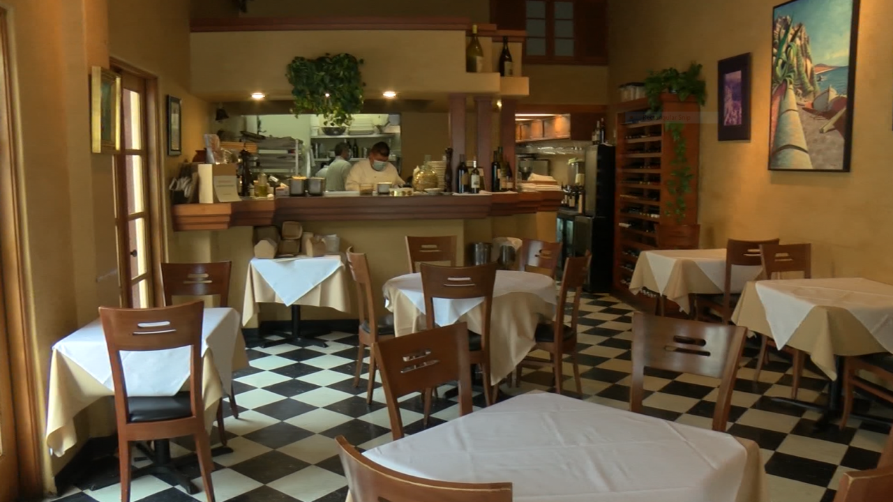 indoor dining pic.PNG