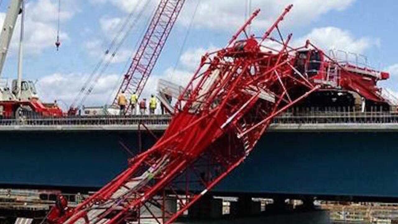 Crane falls on to bridge spanning Hudson River in New York