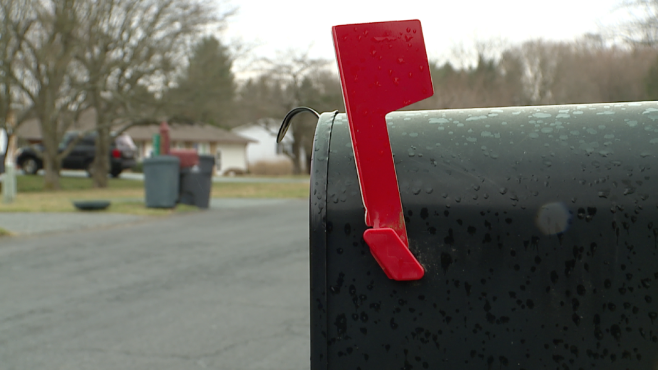 Police department reminds residents to wear pants while checking mailbox