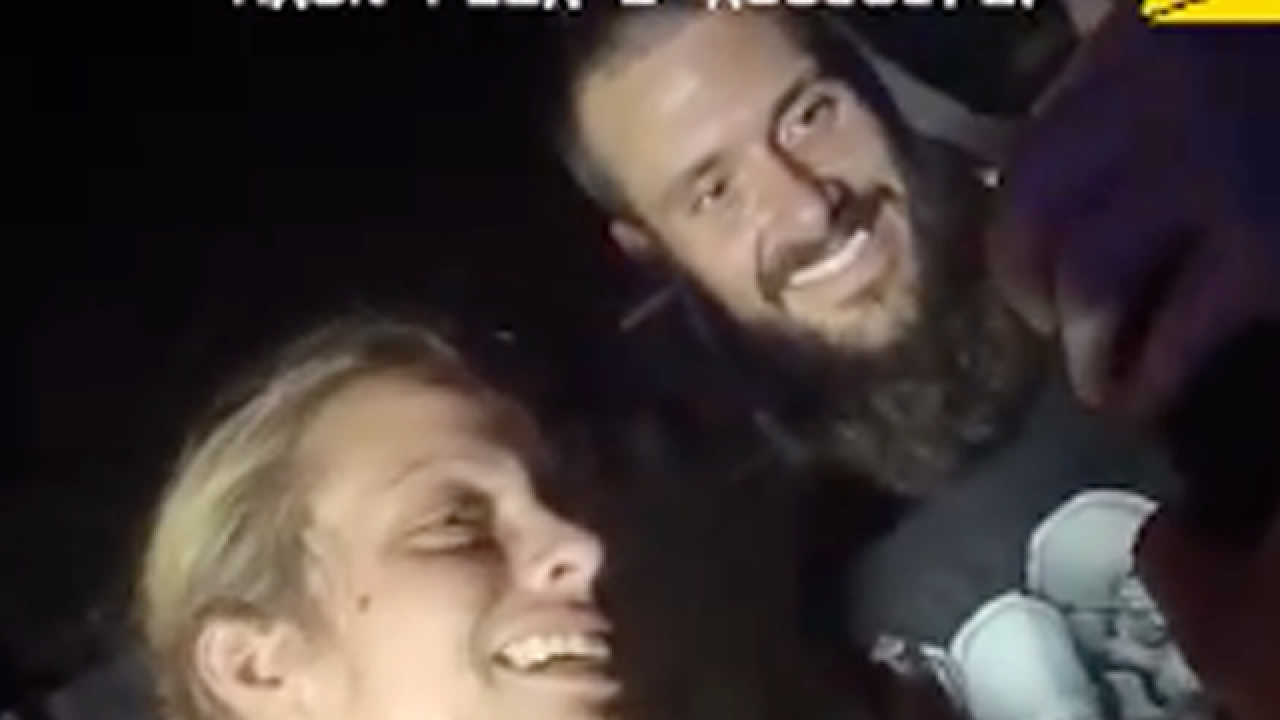 Florida couple all smiles after police chase, arrest