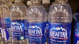 Bottle water consumption surpasses soft drinks in the US