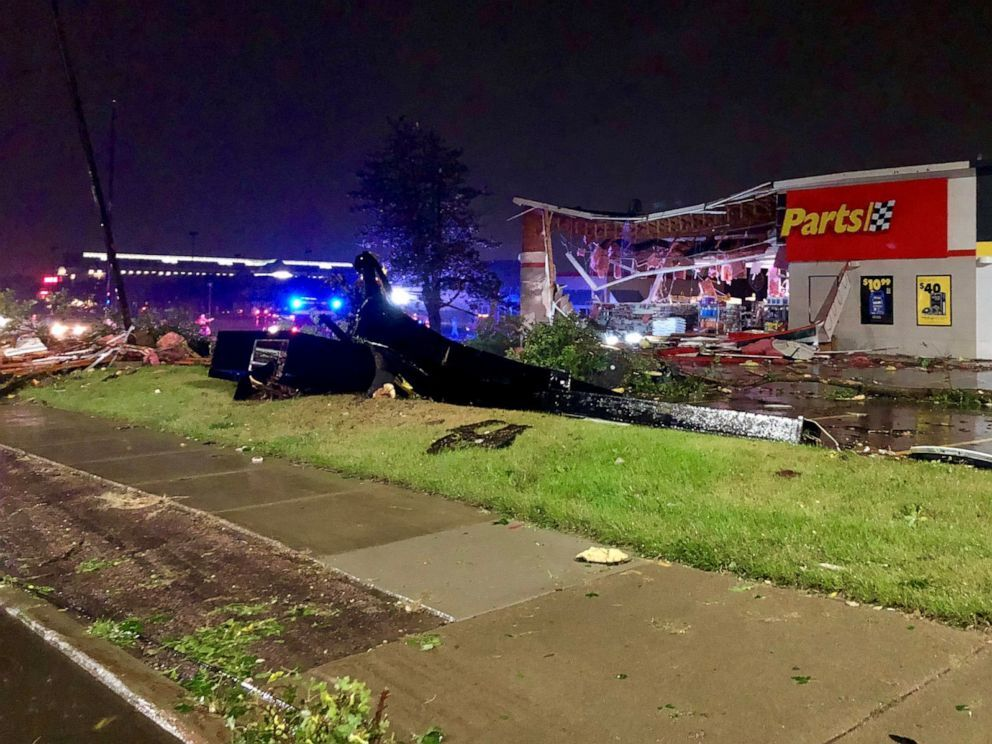 An auto parts store damaged during the storm is seen in Sioux Falls, S.D., Sept. 11, 2019 (Derek Thompson/Derekjt.com via Reuters).
