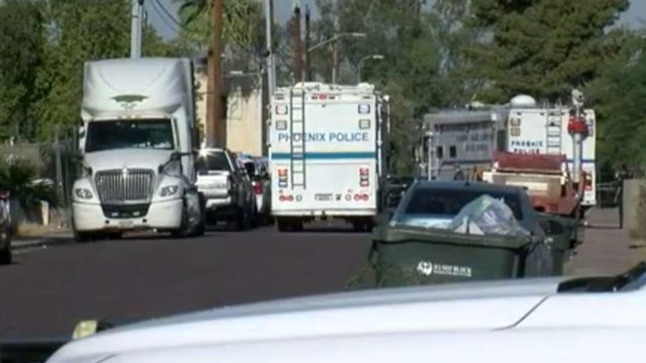 FD: Suspect shot by officer in Phoenix Sunday