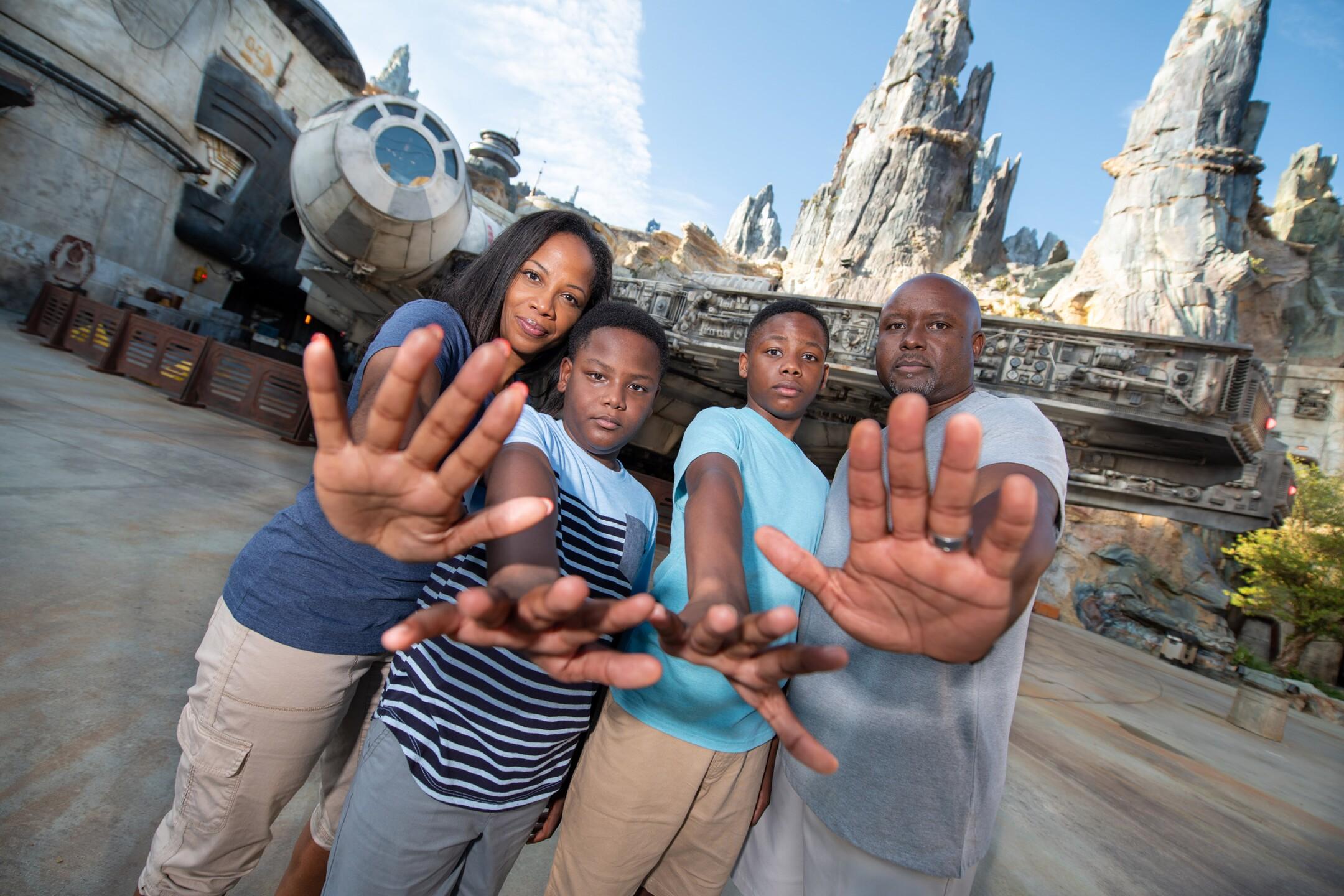 Disney PhotoPass in Star Wars: Galaxy's Edge