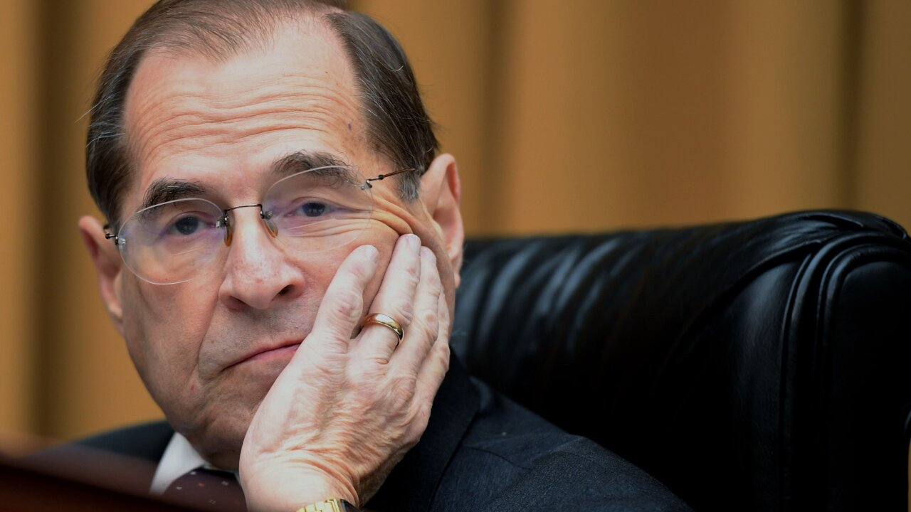 House Judiciary Chairman Jerry Nadler appears to nearly faint at New York news conference