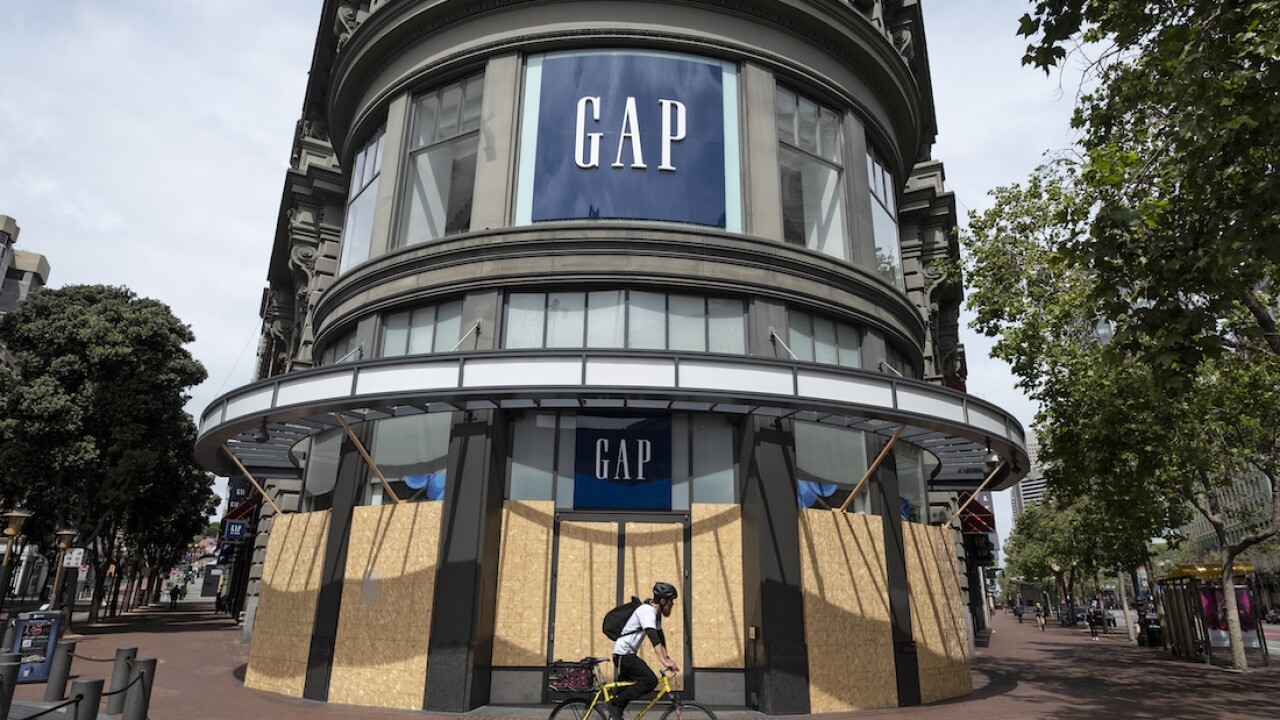 More than 225 Gap, Banana Republic stores worldwide closing in 2020