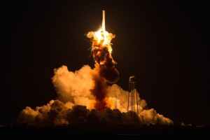 5 rockets other than Antares that failed