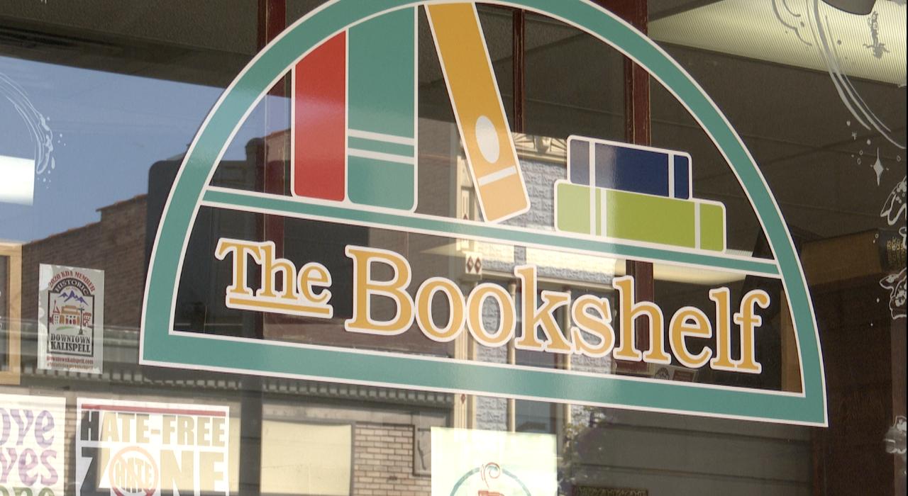 Bookshelf Van