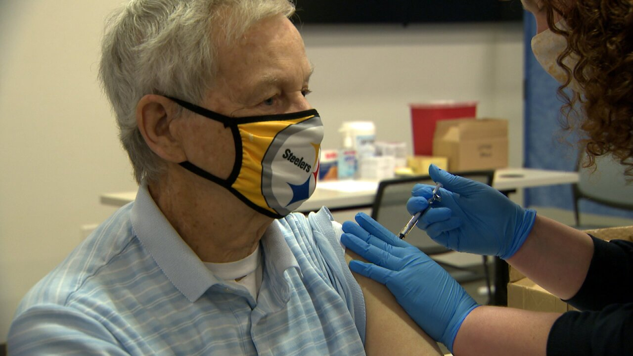Hundreds of Nashville seniors receive first dose of COVID-19 vaccine