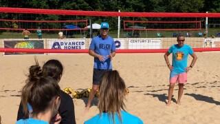 John Hyden holds beach volleyball clinic